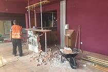 Rekonstrukce vstupních prostor a restaurace v Dělnickém domě v brněnských Židenicích.