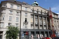 Bývalá právnická fakulta v dolní části Zelného trhu.