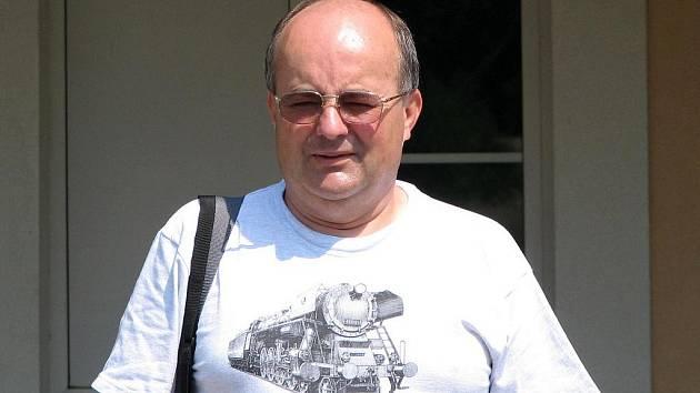 Stanislav Češka se psaní začal věnovat už při studiích na gymnáziu.