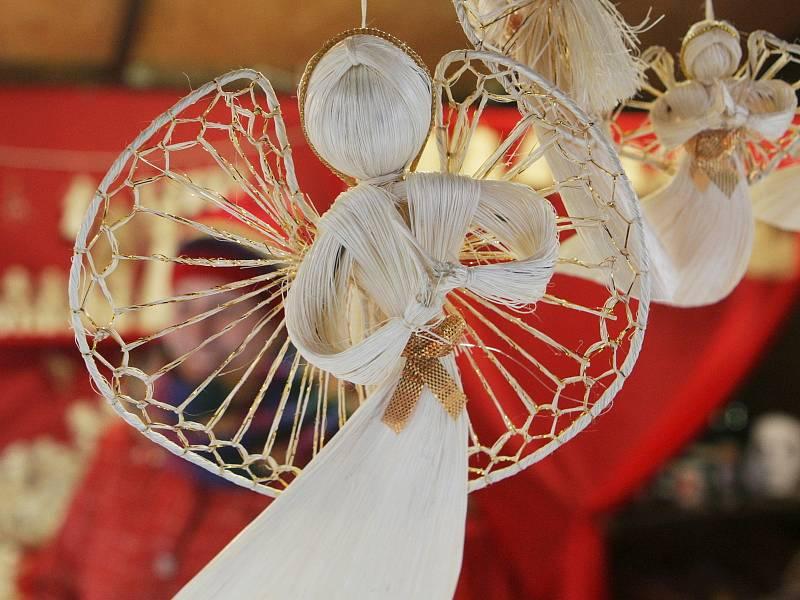 Jako obrovská výstava ručních prací se dají také označit brněnské vánoční trhy.