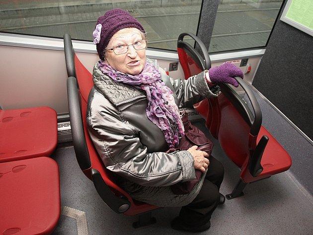 V sobotu si mohli cestující vyzkoušet, jak se na jednotlivých sedačkách sedí, a vzkázat dopravcům, která je nejpohodlnější.