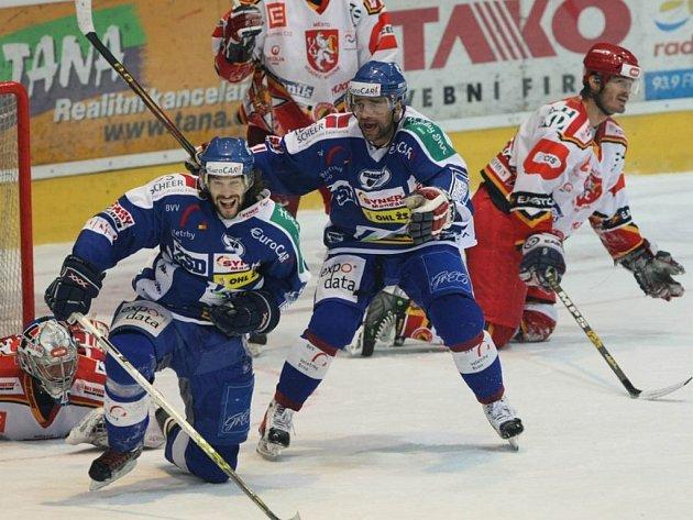 Radek Dlouhý vystřelil Kometě postup do semifinále. Příští sezonu už bude hrát ve Švýcarsku.
