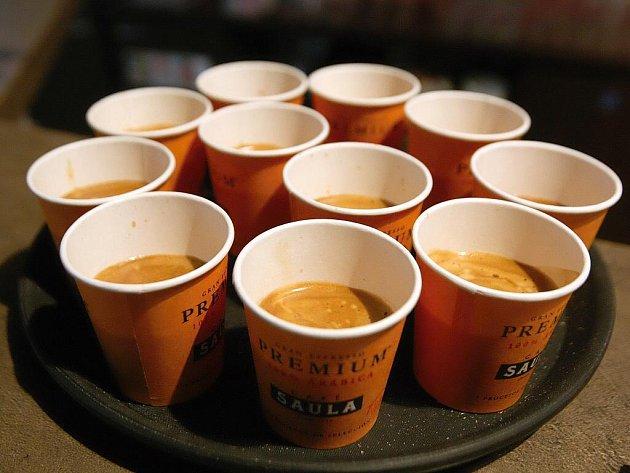 Brňané dostanou tři tisíce šálků kávy zadarmo.