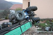 K tragické nehodě traktoru v Omicích na Brněnsku vyjeli ve čtvrtek odpoledne jihomoravští hasiči.