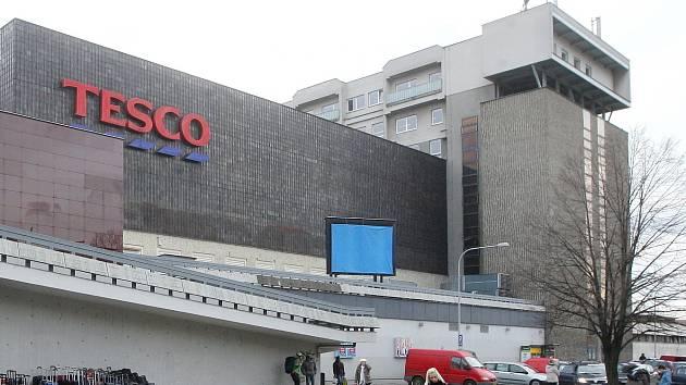 Na nové náměstí se v budoucnu vypraví Brňané. Vzniknout má na místě bývalého obchodního domu Tesco na brněnském Dornychu. Vyrůst tam mají i nové byty nebo hotel.
