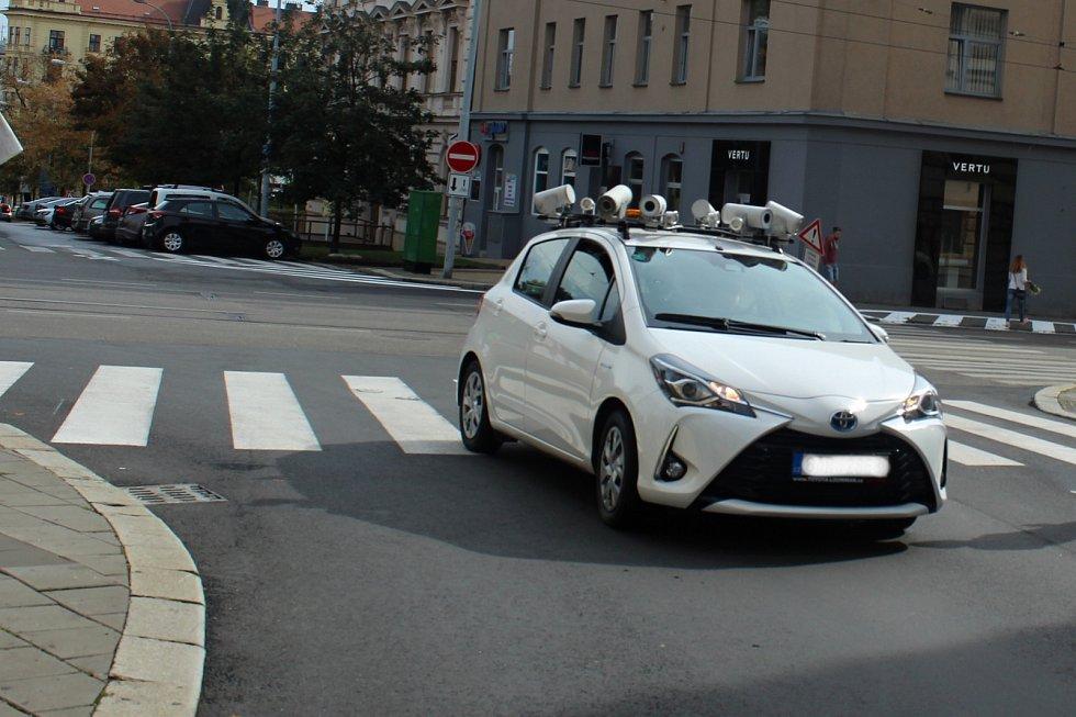 Speciální vůz pro kontrolu dodržování pravidel rezidentního parkování.