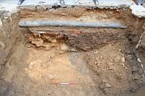 V Solniční ulici našli archeologové další pozůstatky středověkého opevnění. Foto: Archaia Brno
