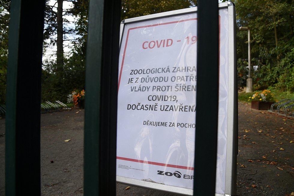 Protikoronavirová opatření, zavřené posilovny a sportoviště. (ZOO Brno)