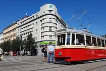Brno 15.8.2019 - dopravní podnik představil nově zrekonstruovanou hostorickou tramvaj 4MT