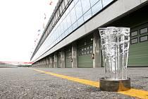 Brno 29.7.2019 - nový pohár od Ondřeje Strnadela pro vítěze letošních závodů Moto GP