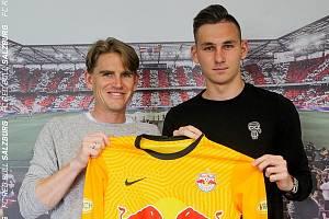 Adam Stejskal podepsal v Salcburku novou smlouvu.