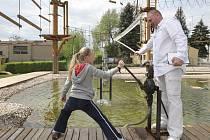Plnit úkoly, pobavit se a ještě k tomu pomoci osvobození Permonia mohli v pátek a o víkendu návštěvníci industriálního zábavního parku Kukla Permonium v Oslavanech na Brněnsku.