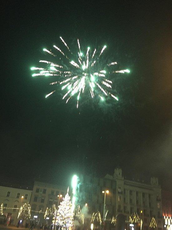 Brňané přivítali nový rok ohňostrojem
