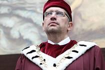Rektor Masarykovy univerzity Mikuláš Bek byl slavnostně uveden do úřadu.