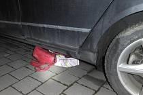 Strážníci díky svědkům vypátrali zloděje kabelky.