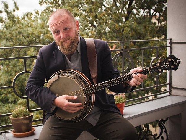 Zakladatel kapely Poletíme? Rudolf Brančovský.