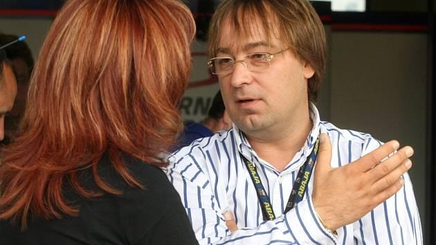 Vedoucí Českomoravské asociace motocyklového sportu Karel Abraham starší.