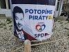 Snaha před volbami na jihu Moravy: selfie, superhrdina i antikampaň