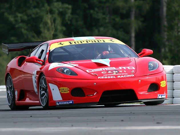 Ve volném tréninku si Masarykův okruh vyzkoušely vozy evropského šampionátu GT3.