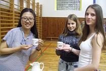 Setkání žáků různých národů.