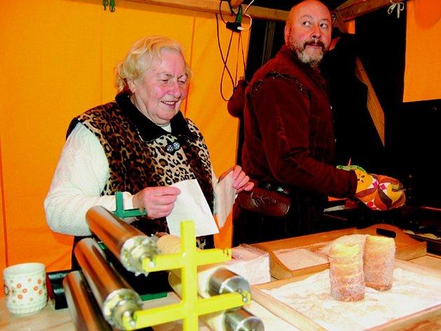 Velým lákadlem je tradiční pochoutka staročeské trdlo.