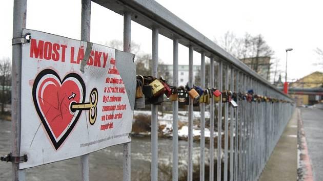 Most lásky v Sokolově.