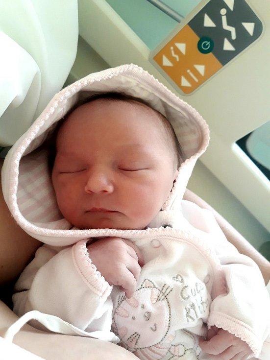 Michaela Čechová ze Sokolova se narodila 14. července 2020 v sokolovské porodnici s váhou 3210 gramů. Rodiče Jitka a Petr jsou z narození své druhorozené dcery moc šťastní.