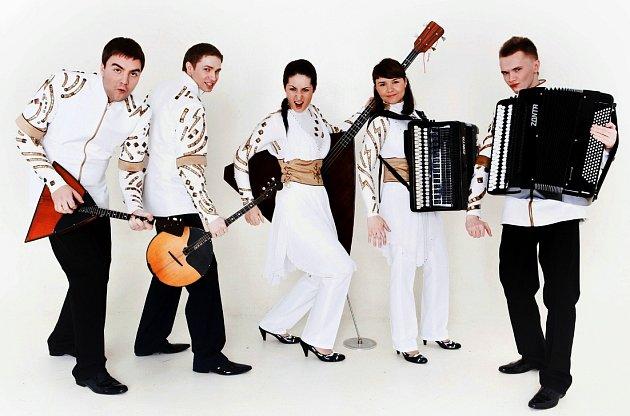 Sokolov navštíví brilantní moderní soubor z Petrohradu, ruský Esse Quintet (na snímku).