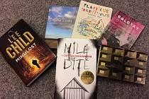 Knihovna láká na nové, pěkné knížky.