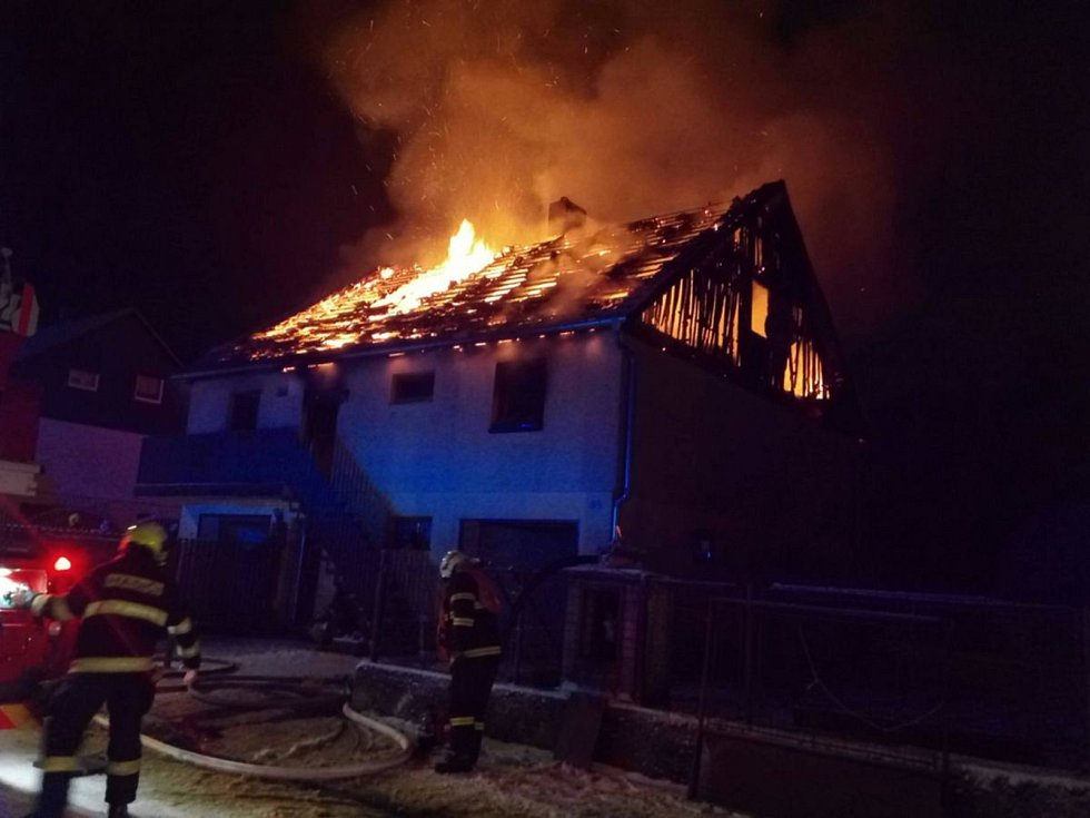 Požár domku v Jindřichovicích.