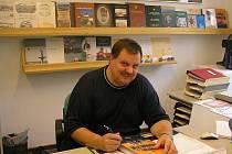 JAROSLAV JISKRA je uznávaný odborník na báňskou stavbu. Letos vydal Velkou knihu hornictví Karlovarského kraje.