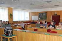 O problematice parkování přišlo se sokolovskými radními diskutovat jen pár lidí.