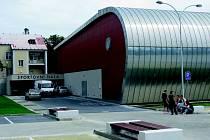 CHODOV postavil novou sportovní halu. Z ROPu městu nepřišlo 55 milionů.