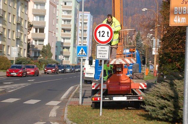 V Kraslicích padlo dopravní omezení. Přes hranice už mohou nákladní auta do 12 tun.
