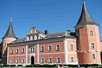 EXPOZICE sokolovského muzea sídlí v místním zámku.