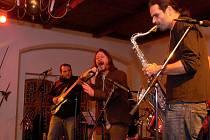 Koncertem skupin Zima a B.G.F. odstartovala na loketském hradě zimní sezóna.