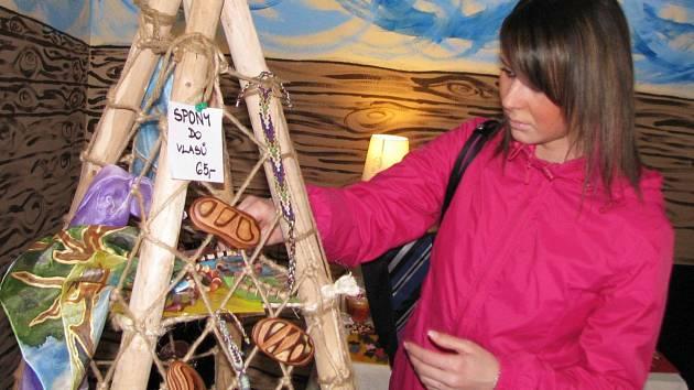 KOCÁBKA nabízí v Kynšperku nad Ohří nejen bižuterii, ale také vkusné dekorační předměty.