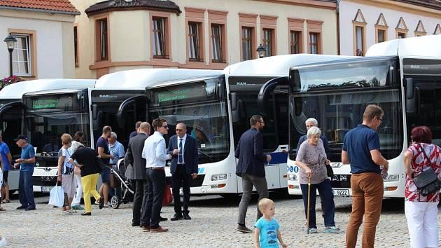 Problém zrušených spojů vyřešil Loket ve spolupráci s krajem a se společností Ligneta a městem Chodov.