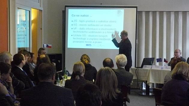 Pavel Janus prezentuje projekt Merkur.