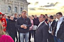 Diskuse s poslancem německého parlamentu byla pro studenty přínosem a velkým zážitkem.