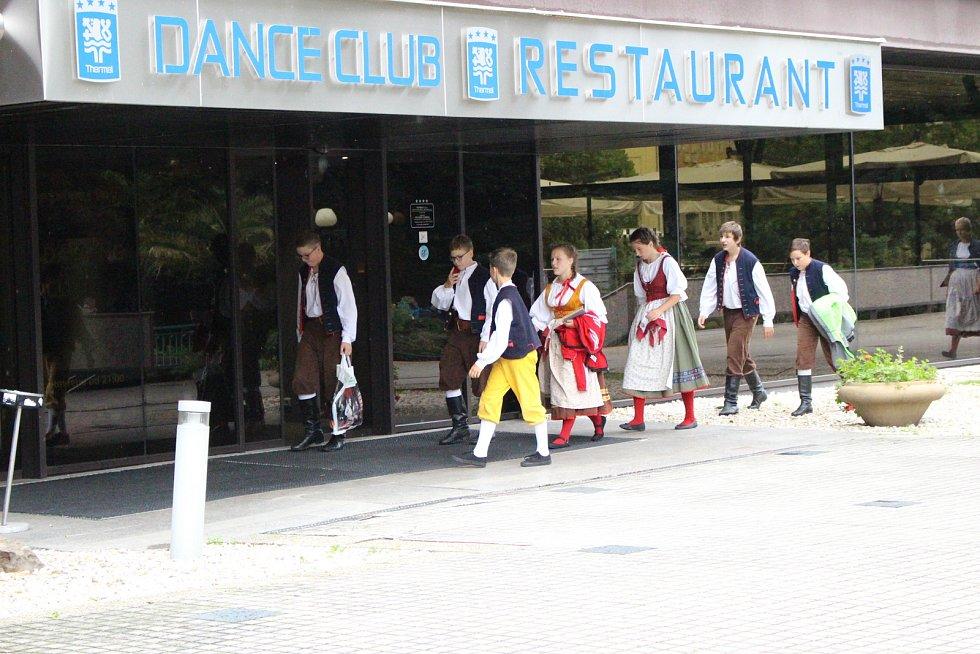 Soubory se představily v rámci mezinárodního folklorního festivalu.