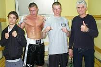 Sokolovská výprava v Polsku, zleva: Václav Hejda, Petr Arkenberg, Tomáš Skalický a trenér Jan Malý