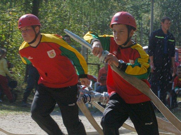 Vítězný požární útok slavkovských mladých hasičů.
