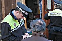 Kontrola bezdomovců v Sokolově