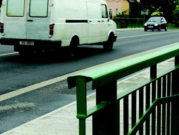 Nový most začal sloužit motoristům v Sokolově.