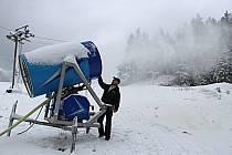Zasněžování v horské Bublavě.
