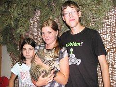 Kdo chtěl, mohl se s kočkami pomazlit a třeba si i nějakou odnést domů.