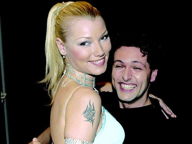 Tanečník Eduard Zubák s partnerkou Helenou Zeťovou během televizní soutěže Stardance. Rodák z Horního Slavkova nyní získal za reprezenatci Slavkova Cenu města za rok 2006.