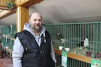 CHOVATEL František Hájek na výstavě v Chodově.
