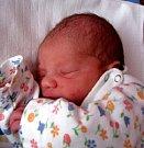 MICHAL KUNDRÁT je prvním miminkem letošního roku. Narodil se 1. ledna ve 3.33 hodin. Radost z něj má maminka Ivana a doma se na Michálka těší bráška Honzík.